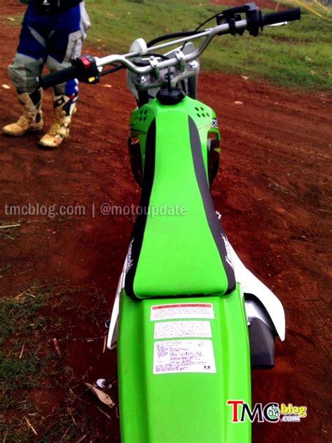 Kaliper Rem Depan Klx 150 Orisinil Kmi Resmi Rilis New Kawasaki Klx 150 Harga 35 9 Juta