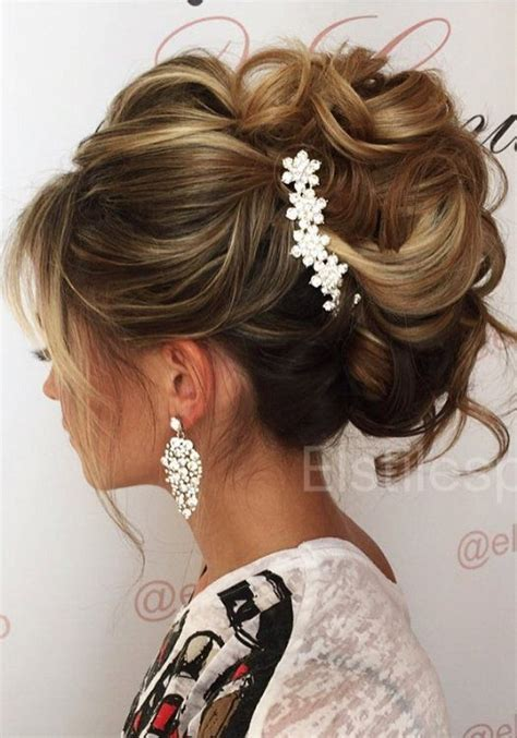 Half Up Bridal Hairstyles by Best 25 Soft Updo Ideas On Updo