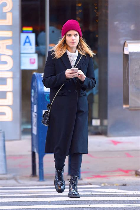 Kate Hudson Strolls In Soho With by Kate Mara Out For A Stroll In Soho Nyc Donut