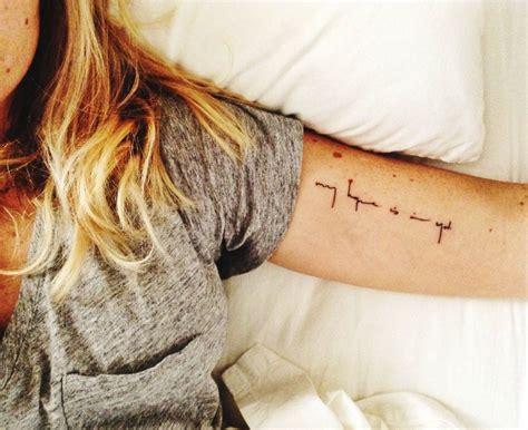 25 ideen kleine arm tattoos tattoos amp ideen