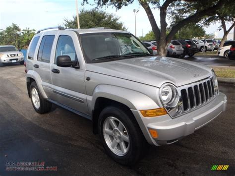 Silver Jeep Liberty 2007 Jeep Liberty Limited In Bright Silver Metallic