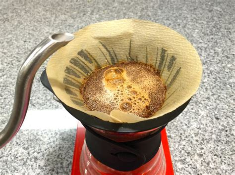 How To Make Coffee Paper - paper filter vs metal filter which makes the best cup of