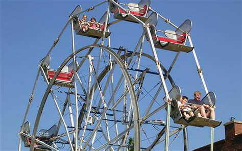 what are the seats on a ferris wheel called windy city amusements chicago carnivals amusement rides