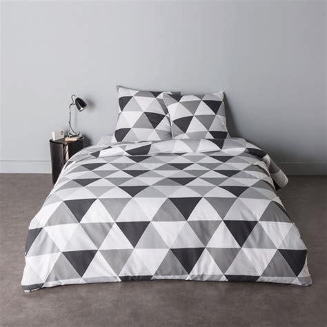 quelle dimension de couette pour un lit de 140 quelles dimensions de couette choisir pour votre lit