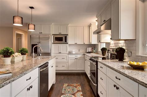 kitchen images with white cabinets white shaker cabinets kitchen photos