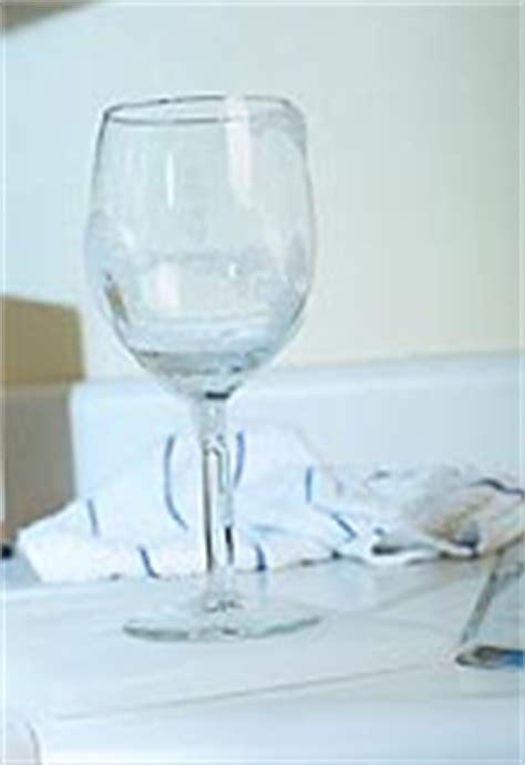 Glas Polieren Hausmittel by Glas Mit Tricks Hausmitteln Richtig Reinigen Philognosie