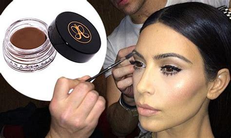 kim kardashian reveals that eyebrows are so 2014 vanity fair kim kardashian s groomer reveals how to get her eyebrows