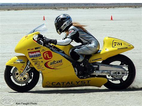 racing biker interview 200mph susan robertson motorcycle usa