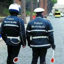 polizia municipale napoli ufficio contravvenzioni ischia rubava i soldi delle multe arrestato maresciallo