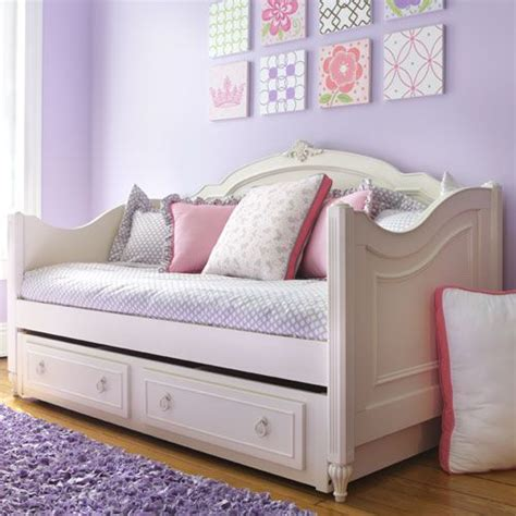 140 best make day bed images on pinterest daybeds for girls best 25 victorian daybeds ideas on