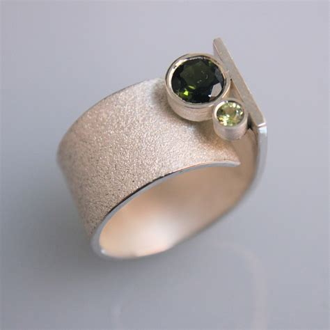 contemporary handmade silver ring q with turmalin
