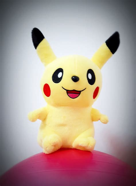 jual boneka pikachu go souvenir hadiah kado mainan anak hobi doll di indonesia katalog