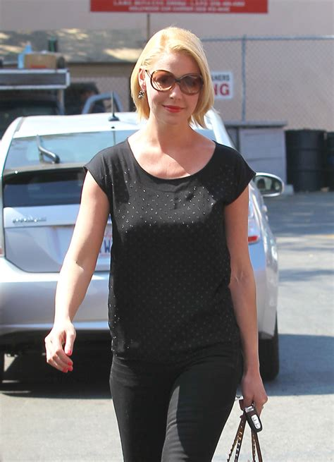 Style Katherine Heigl Fabsugar Want Need 4 by Katherine Heigl T Shirt T Shirt Lookbook Stylebistro