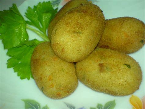 cara membuat cilok isi telur puyuh cara membuat kroket kentang isi telur puyuh corelita