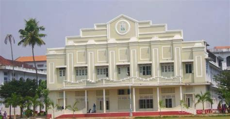 Mba Colleges In Ernakulam by Sacred College Sh Thevara Ernakulam Faculty