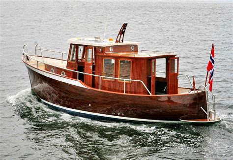 small displacement motor boat ironbark 28 traditional double ended displacement boat