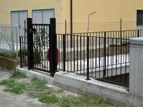 ringhiere per giardini recinzioni in ferro battuto per giardini