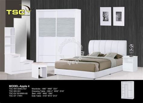 bedroom set almari baju katil meja tepi furniture decoration  sale  georgetown