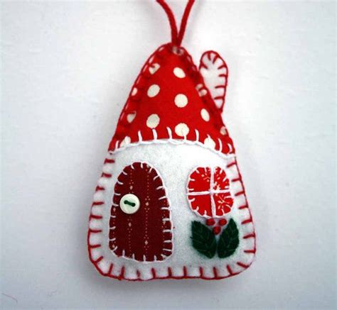 felt christmas ornaments red and white patchwork houses