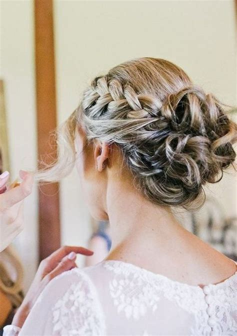 Outdoor Wedding Hairstyles For Brides by 22 Outdoor Summer Wedding Tips And 68 Ideas Happywedd
