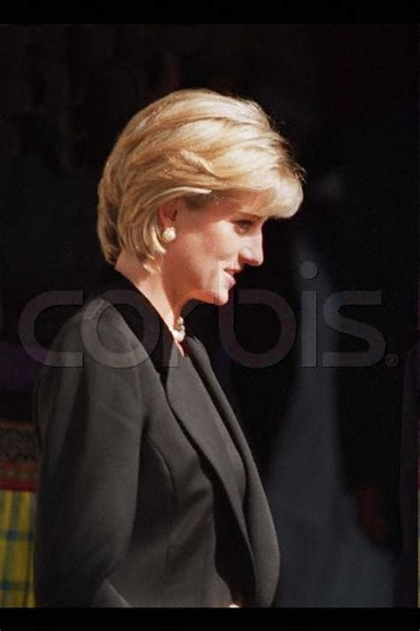 libro terence donovan portraits march 9 1997 diana princess of wales leaving the memorial service for photographer terence
