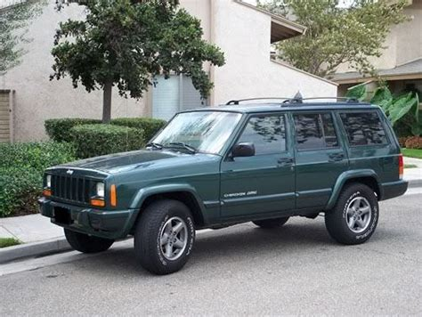jeep sport green my 2nd dream car jeep cherokee sport 4 door forest