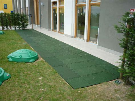 pavimento antitrauma quadrio pavimento antitrauma granulo di gomma sbr