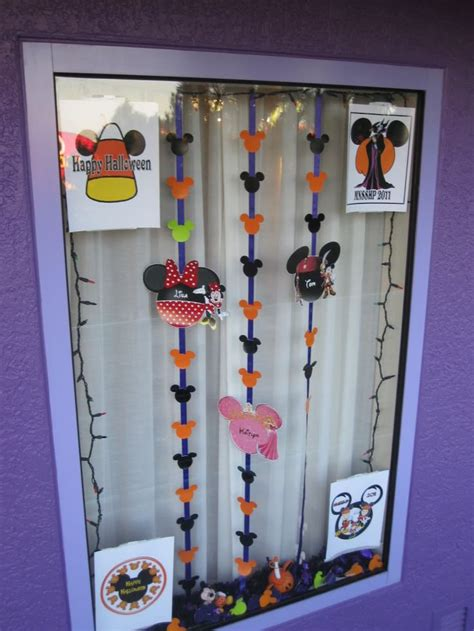 decorations disney resort window decorating ideas disney stuff