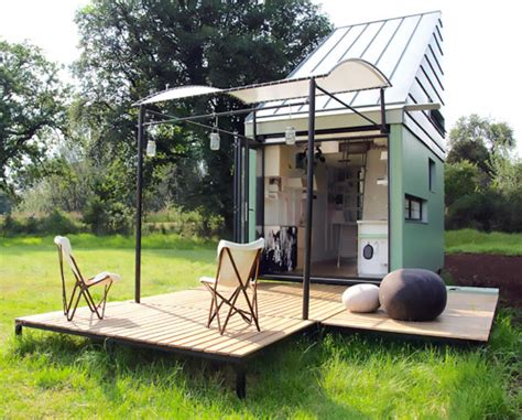 solar powered mobile home tiny solar powered modular home can travel anywhere the green optimistic