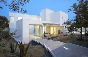 modern mediterranean house mediterranean luxury comes in white villa di gioia by pedone working freshome com