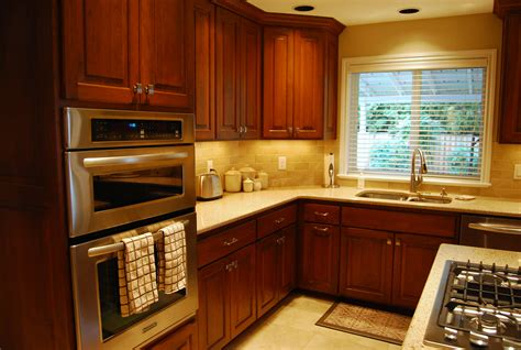 yellow kitchen walls with oak cabinets yellow kitchen brown cabinets winda 7 furniture