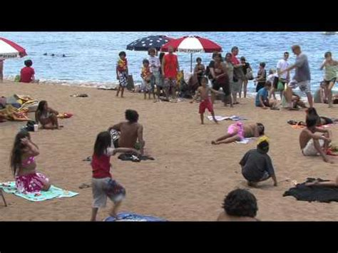 best flash mobs of all time boat 1 flash mob hula at 38 000 on hawaiian airlines na