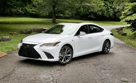 2019 Lexus Es 350 F Sport by Drive 2019 Lexus Es Review Ny Daily News