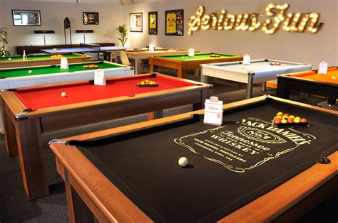 how to choose pool table room size suit with space