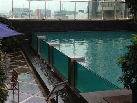 Swiss Bell Hotel Medan Pool Area Picture Of Grand Swiss Belhotel Medan Medan Tripadvisor