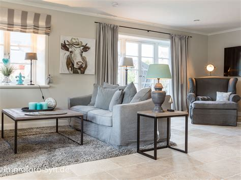 Cottage Wohnzimmer by Highlights Immofoto Sylt