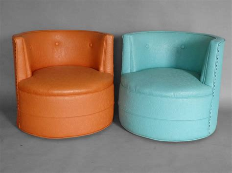 barrel chairs that swivel three barrel back swivel lounge chairs at 1stdibs