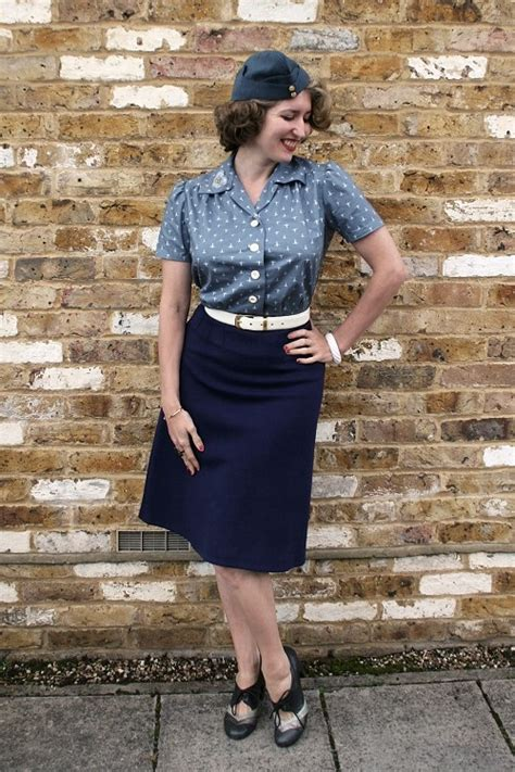 Charlotte?s Timelessly Lovely Waaf Blouse (and Stellar 40S