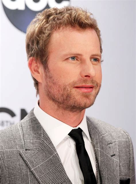 dierks bentley dierks bentley picture 31 48th annual cma awards red