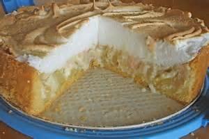 rabarbara kuchen rhabarberkuchen mit vanillepudding und baiser rezept mit