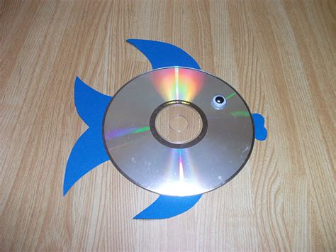 cd crafts for easy rainbow fish cd craft preschool education for