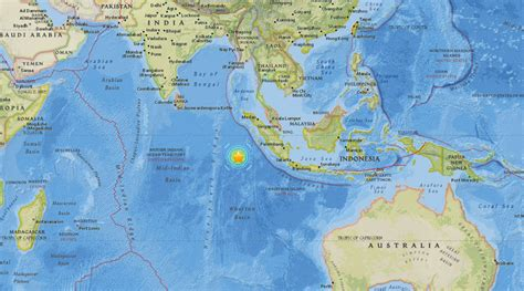 earthquake warning indonesia deaths reported after 7 8 quake strikes off indonesia