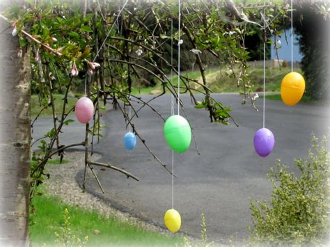 thoughts that stick outdoor easter decor