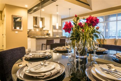 tavola rustica apparecchiata cena a casa con amici falla facile scala