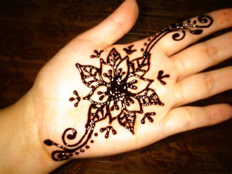 henna tattoo adalah design inai
