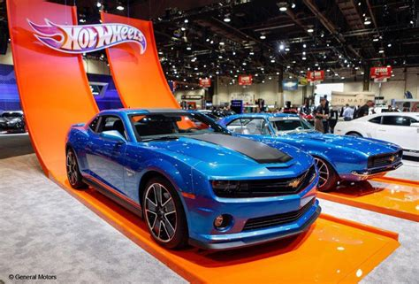 imagenes autos hot wheels reales life size hot wheels camaro from chevrolet rudolph chevrolet