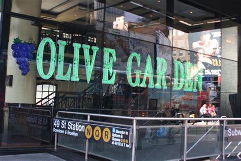 2 times square olive garden olive gardens picture of olive garden new york city tripadvisor