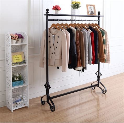 Hanger Busagantungan Baju Gantungan Fleksibel on the walls hang the bag rack clothing store shelf display rack garment rack garment hanger