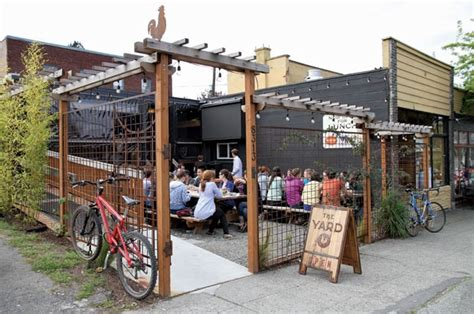 restaurant patio fence 17 best ideas about restaurant patio on restaurant tables outdoor restaurant and