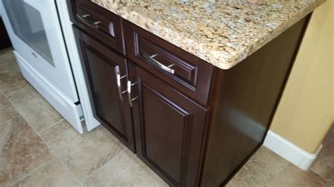 how do you refinish wood cabinets naperville kitchen cabinet refinishers 630 922 9714